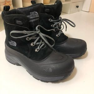 North face boys snow boots. None slipping warm.